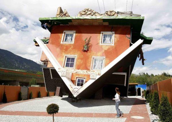 Casa é construída de cabeça para baixo na Áustria
