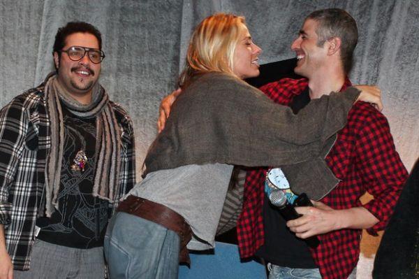 Reynaldo Gianecchini participa de evento ao lado de Adriane Galisteu