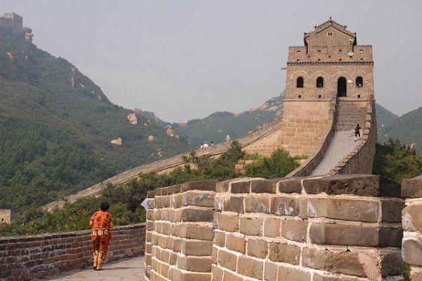 Ferrari é obrigada a se desculpar após ter usado Muralha da China como pista de corrida