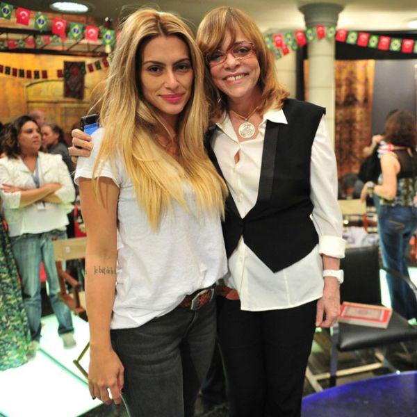 Loiríssima, Cleo Pires se encontra com Glória Perez