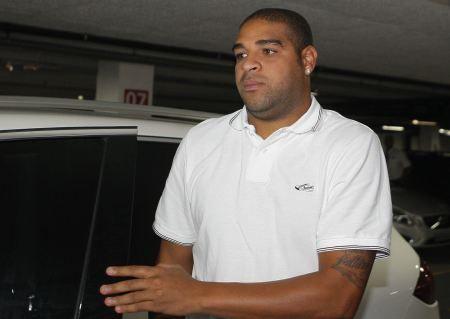 Flamengo prepara festa para volta de Adriano e goleiro Bruno