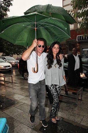 Camila Alves e McConaughey teriam cochichado votos no ouvido
