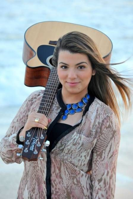 Filha de Maurício Mattar se lança como cantora e atriz