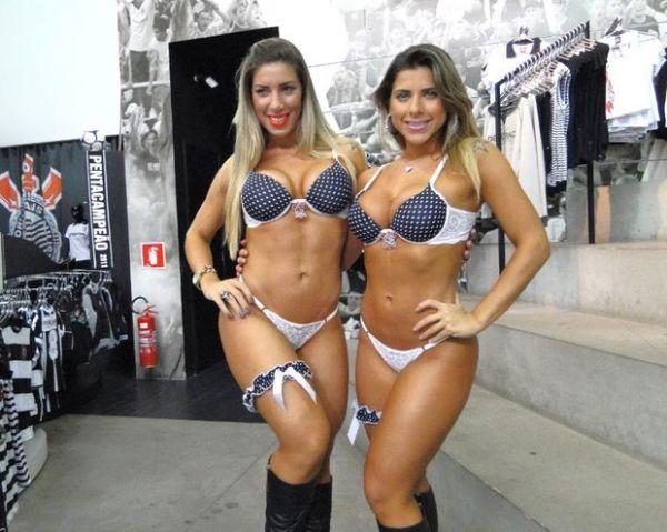 Divulgadas mais fotos das Irmãs Minerato posando só de lingerie