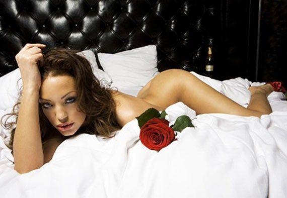 Maria-chuteira sósia de Angelina Jolie arrasa corações na Euro