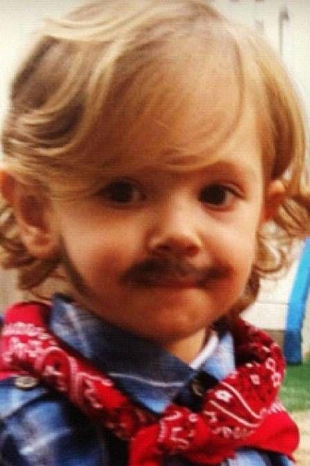 Adriane Galisteu posta foto do filho caracterizado para primeira festa junina