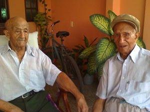 Gêmeo de 99 anos que roubou a namorada do irmão morre no ES