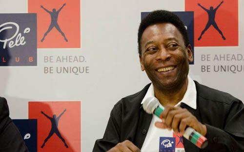 Pelé faz crítica ao Santos, mas confia na vitória sobre Corinthians