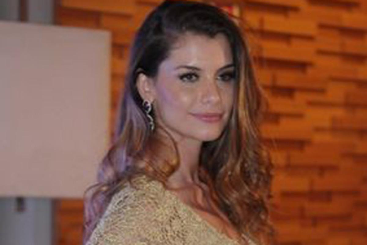 Alinne Moraes Sex alinne moraes vive prostituta e diz que a beleza é um fardo