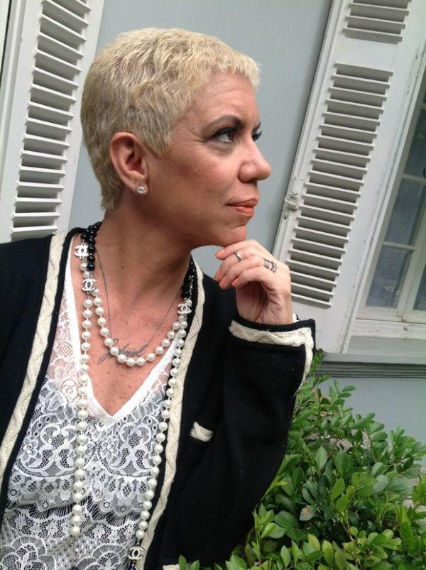 Em tratamento contra lúpus, Astrid Fontenelle surge com cabelos curtos