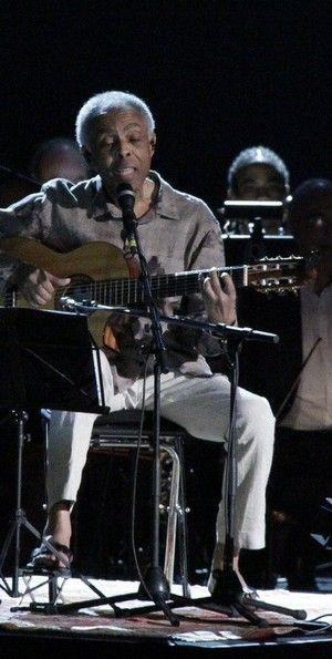 Gilberto Gil diz a jornal que usou maconha até os 50 anos de idade