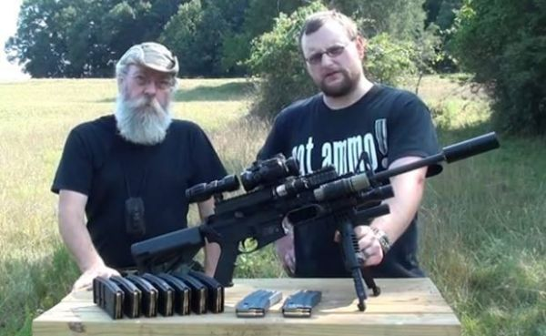 Loja nos EUA cria fuzil contra apocalipse zumbi