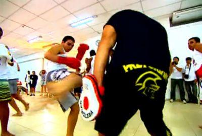 Igreja inova e abre espaço para fiéis treinarem MMA