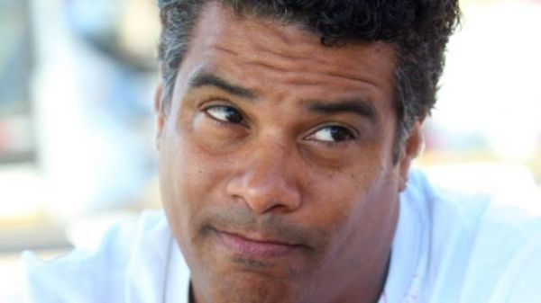 Irmão de Ronaldinho Gaúcho cobra na justiça R$ 1 milhão do Flamengo