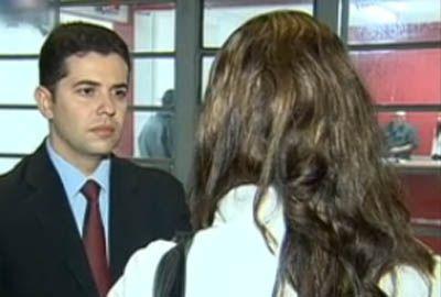 Pedagoga é feita refém em casa; polícia prende dois suspeitos