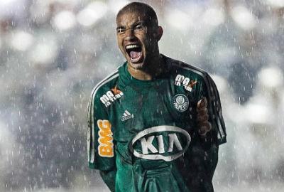 Palmeiras surpreende e lidera lista de faturamento com patrocínio