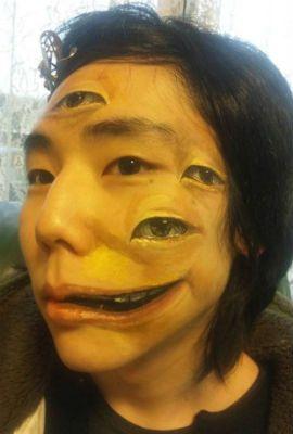 Artista japonesa cria obras realistas no próprio corpo que impressionam
