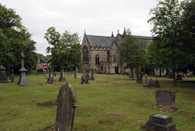 Vereadores proíbem sexo em cemitério medieval da Inglaterra