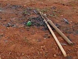 Restos de fogos de artifício explode e queima três crianças