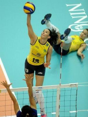 Brasileiras vencem Tailândia e vão para último jogo com chance de título