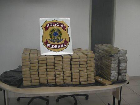 Droga avaliada em R$ 4 milhões estava escondida em pneu de caminhão