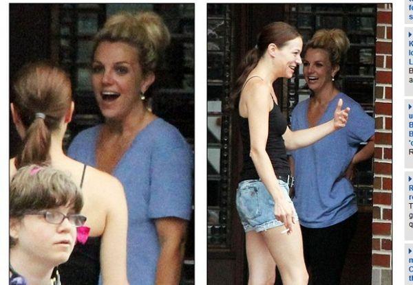 Sem maquiagem, Britney Spears fuma com amiga