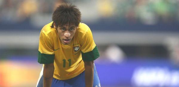 Neymar é criticado e cobrado por sua performace fora do Brasil