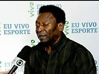 Pelé critica Neymar por cair em campo e só jogar pela esquerda