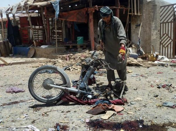 Atentado suicida mata 20 civis e fere 50 no sul do Afesganistão