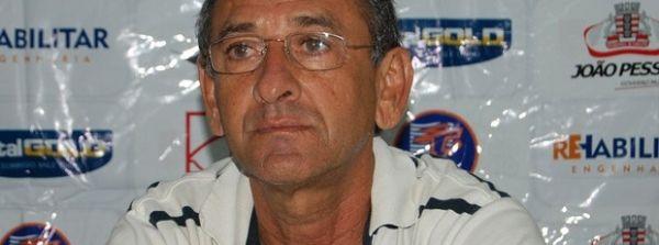 Danilo Baratinha estreia domigo como novo treinador do 4 de Julho