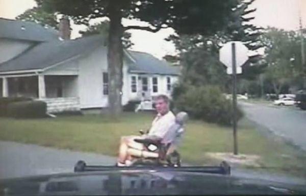 Homem é perseguido dirigindo cadeira de rodas motorizada roubada