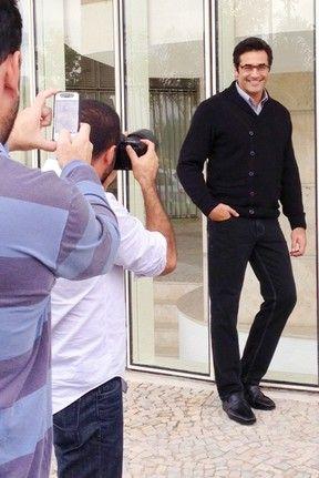 Luciano Szafir faz ensaio de moda
