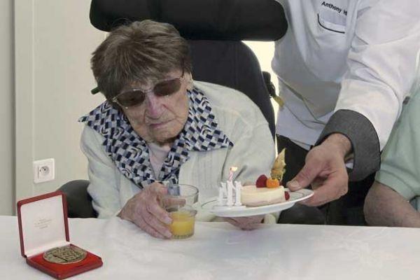 Mulher mais velha da Europa morre aos 114 anos na França