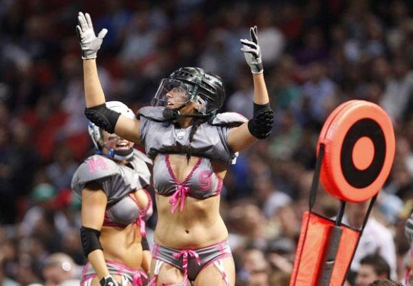 Austrália tem jogo-exibição de futebol americano de lingerie