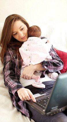 Novas mães ficam mais tempo no Facebook depois de ter filhos