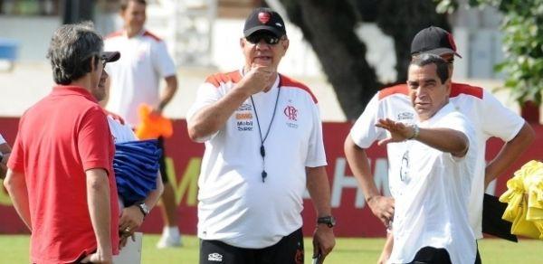 Flamengo poderá demitir Joel Santana até em caso de vitória