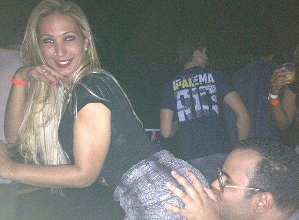 Valesca Popozuda ganha beijo de fã durante show do Harmonia do Samba