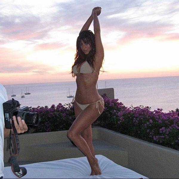 Kim Kardashian posa de biquíni para ensaio e garante:
