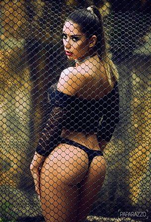Graciella Carvalho posa para o Paparazzo e revela que beijo de mulher é gostoso