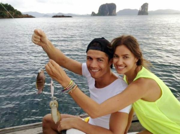 Ronaldo aproveita férias na Tailândia ao lado de modelo