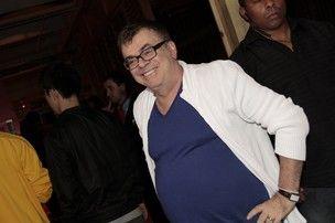 Walcyr Carrasco ganha liminar contra humoristas do Pânico