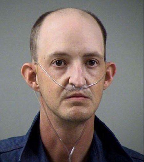 Homem é detido após usar Facebook para ameaçar antigos colegas de escola