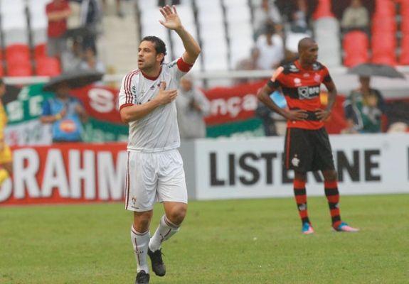 Jogo entre Fluminense e Botafogo hoje marca duelo de atacantes