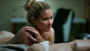 Karen Junqueira faz primeiras cenas de nudez na TV:
