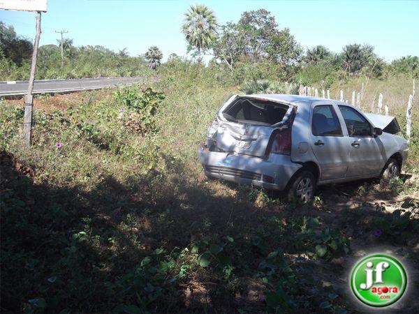 Ônibus, Palio e Van se envolvem em acidente na PI-113