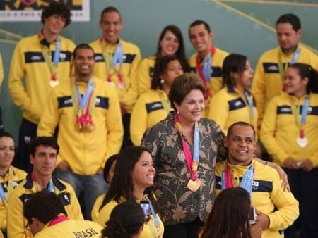 Dilma viaja a Inglaterra amanhã para abertura das Olimpíadas