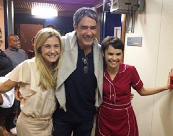 William Bonner publica foto com atrizes de Avenida Brasil