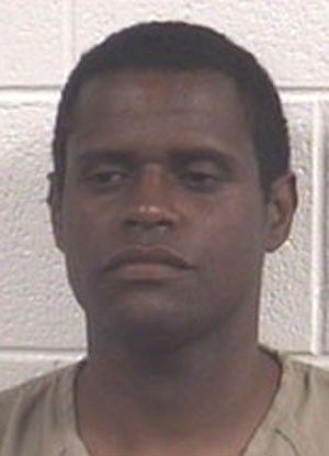 Americano é preso após se recusar a deixar a cadeia