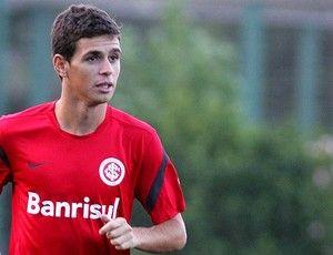 Inter e Chelsea confirmam: Oscar é negociado e jogará na Inglaterra