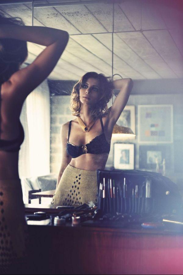 Veja fotos do ensaio sensual de Giselle Batista, de